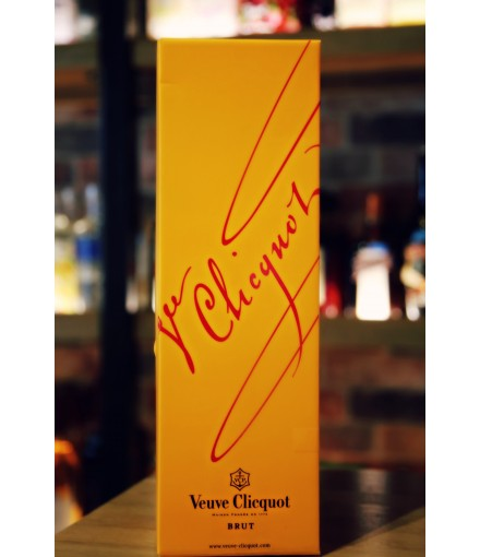 Veuve Clicquot Brut Yellow Label Magnum Champagne