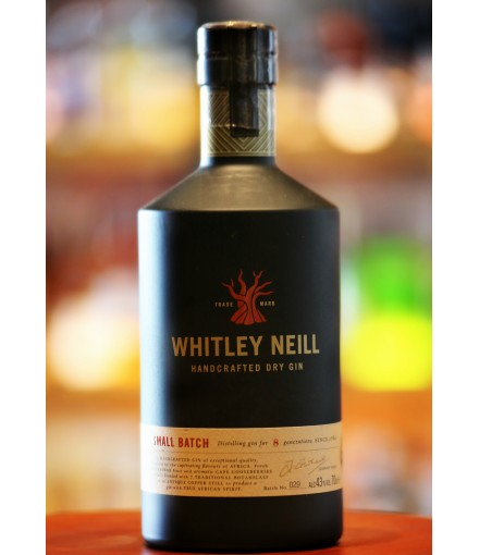 Whitley Neill Small Batch Dry Gin 70cl with Glass in Gift Box